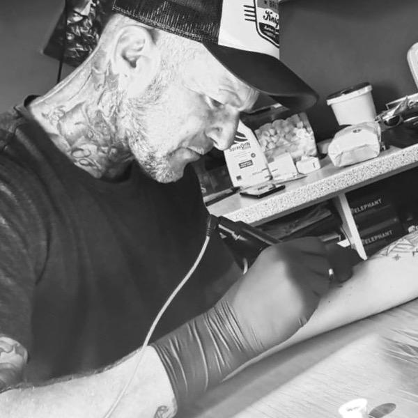 Tatowierer Ricardo, Inhaber Tattoos by Zet